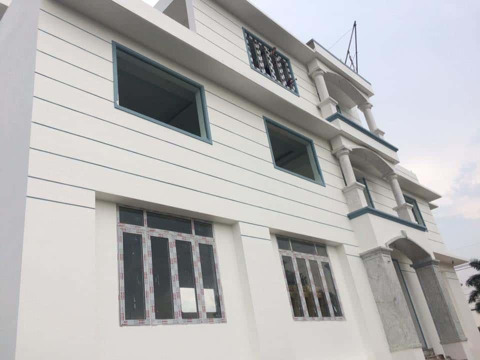 nhà được lắp cửa nhôm kính xingfa cao cấp với giá rẻ