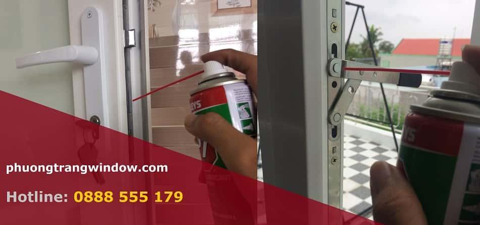 bảo dưỡng sửa chữa cửa nhựa lõi thép