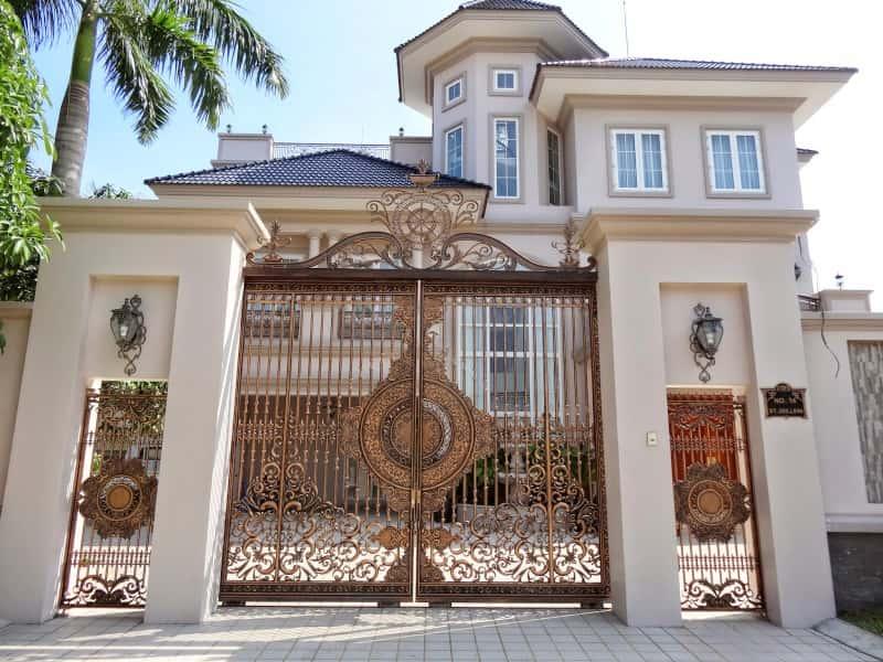 cửa nhà biệt thự