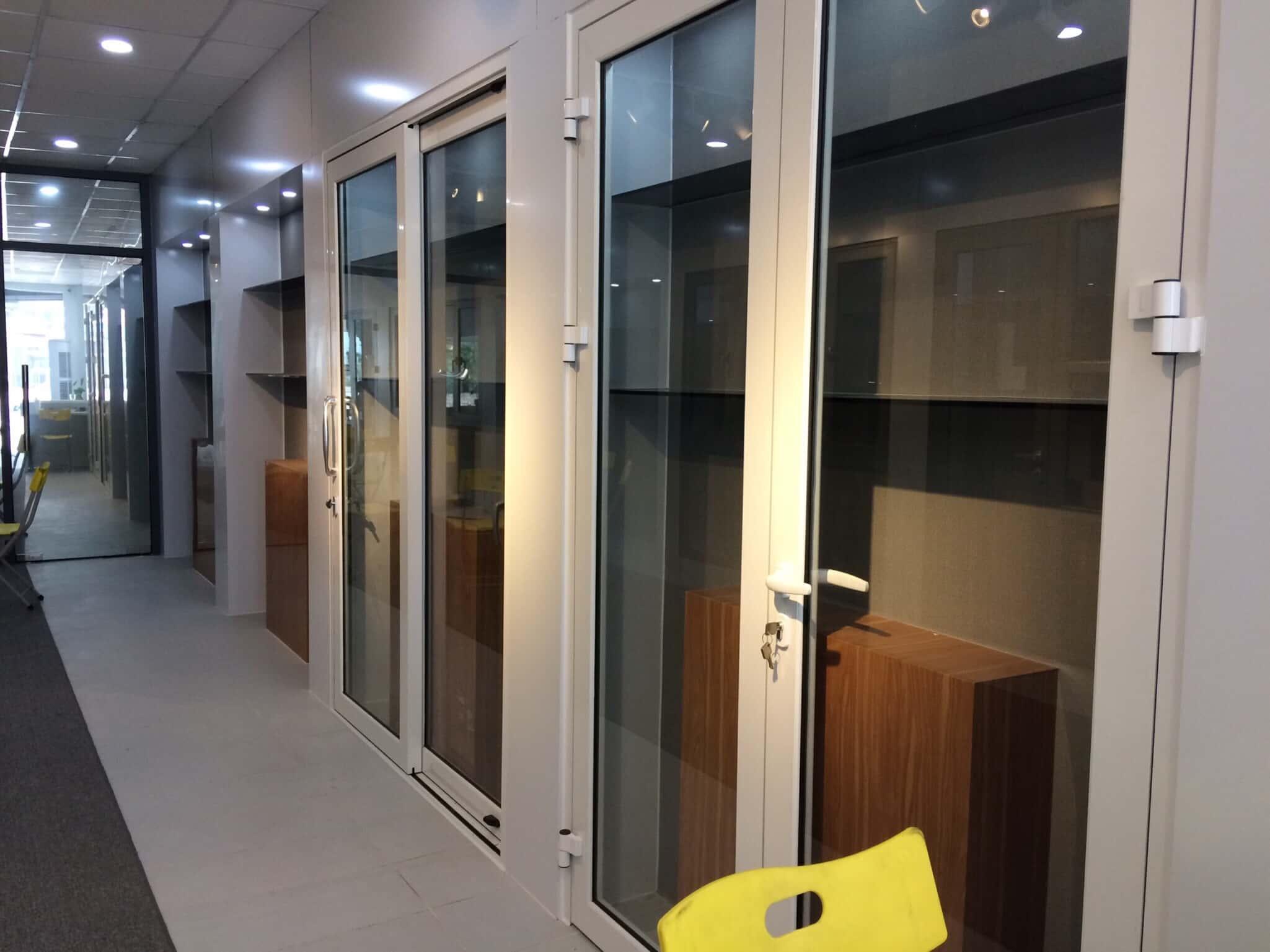 Showroom cửa nhôm kính đẹp