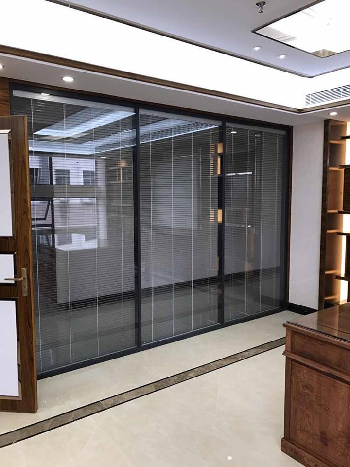 Cửa nhôm cao cấp sử dụng kính hộp có rèm