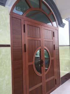 Cửa nhôm xingfa vân gỗ cao cấp