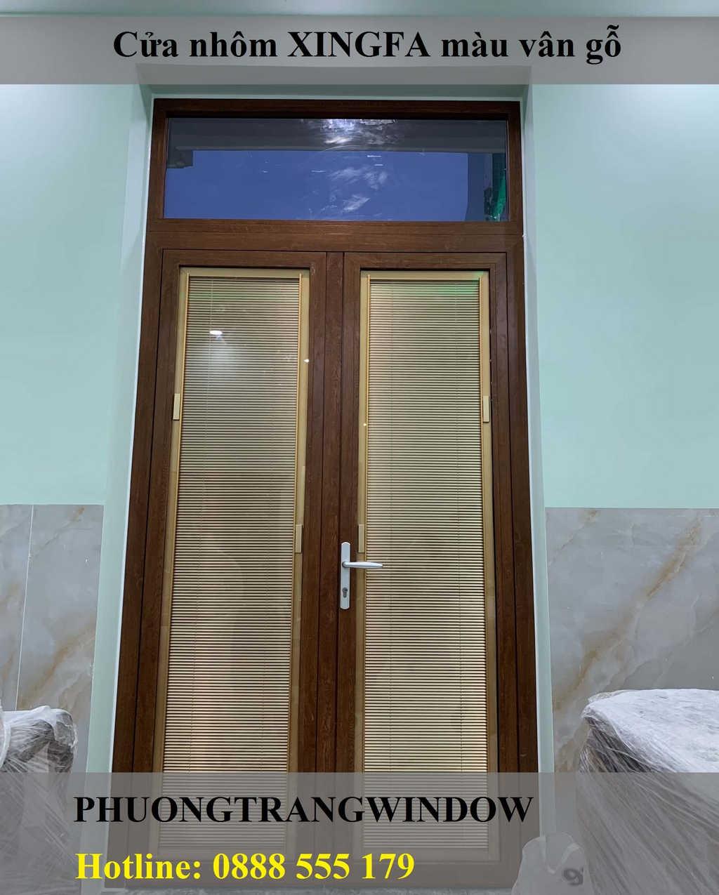 Mẫu cửa nhôm XINGFA vân gỗ tại Tphcm
