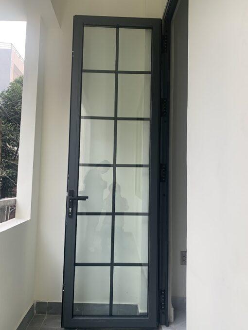 cửa nhôm 1 cánh nan trang trí
