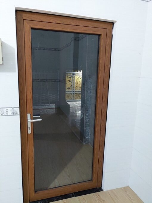 cửa nhôm xingfa vân gỗ 1 cánh